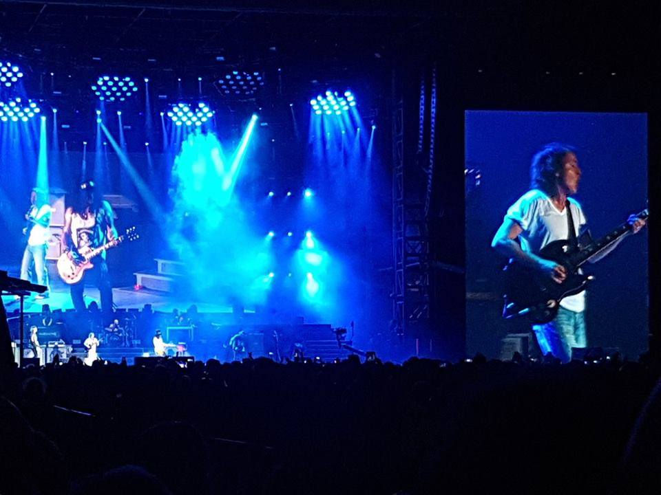 Guns N Roses y Angus Young