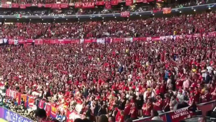 La hinchada del Liverpool cantó una de Fito Páez