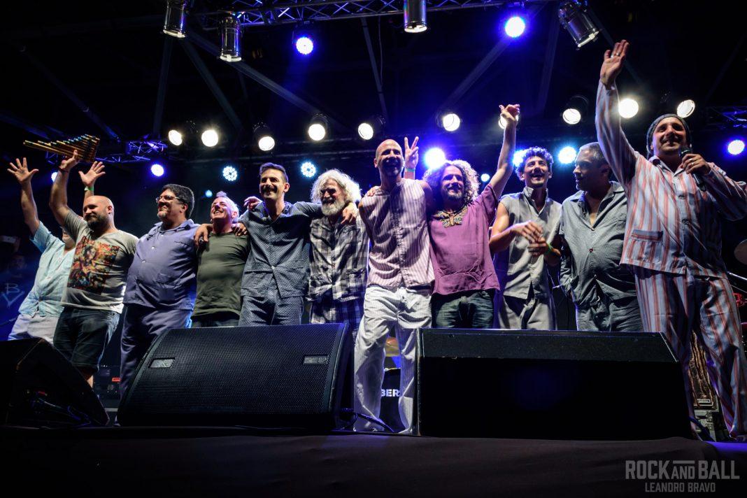 """""""Bersuitbolito"""": Tarde de rock, folclore y consciencia en el Konex"""